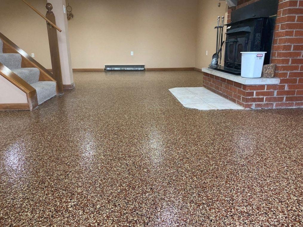 Another look at a custom basement flake flooring job.
