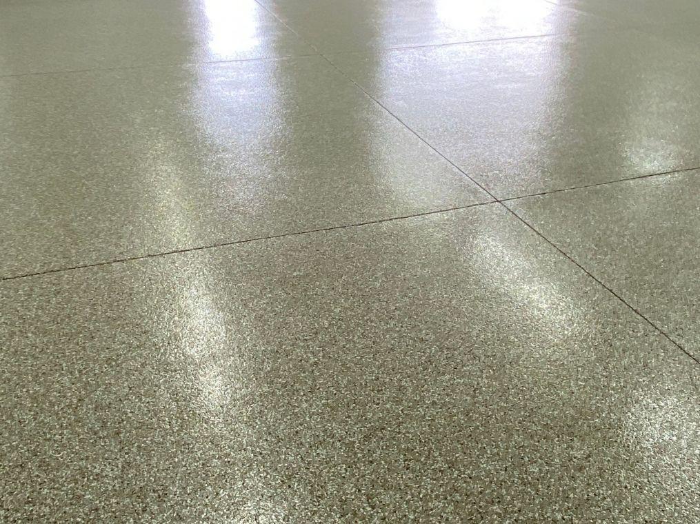 Fresh flake coating on a local garage floor.