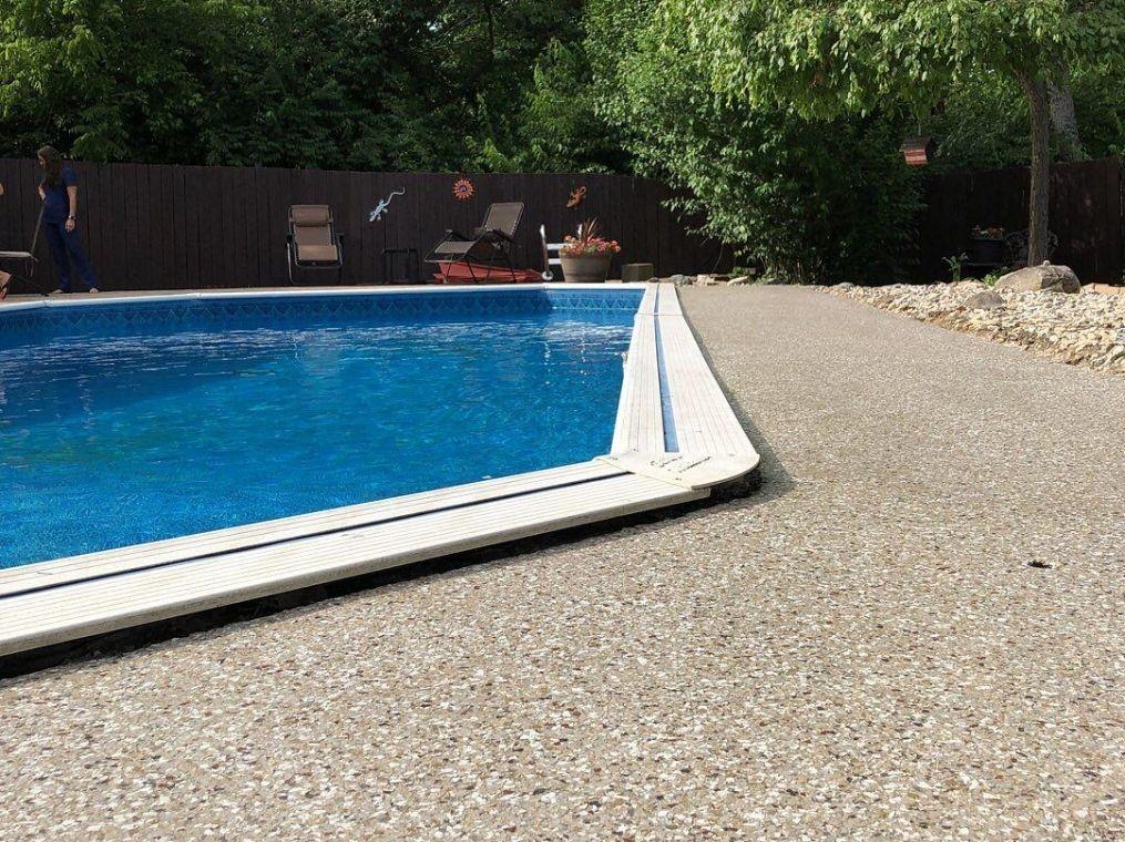 Another look at the granite look poolside flake flooring.