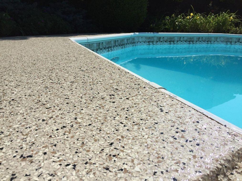 One more look at the granite look poolside flake flooring.